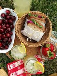 picnic baskets for two a picnic for two what to cook what to bring and what