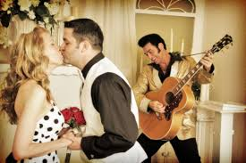 elvis wedding in vegas celebrate your elvis wedding with the king by your side las