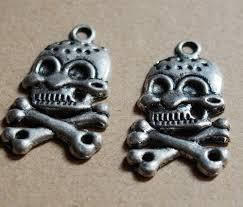 personalized charms bulk pirate skull pendants in bulk silver alloy metal pendants 37
