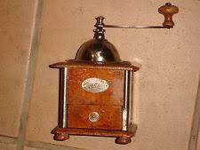 peugeot cuisine ancien moulin a cafe bois peugeot freres outil ustensile de