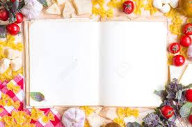 livre cuisine italienne blank livre de recettes avec des ingrédients de cuisine