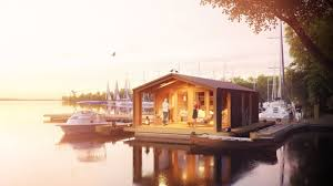 Airbnb Houseboat by 23 Incredible Chilled Out Floating Houses And Houseboats In