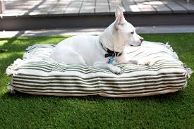 How To Make A Dog Bed How To Make A Pet Bed Slipcover From A Flat Weave Rug How Tos Diy