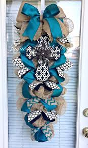 Spring Decorating Ideas For Your Front Door Best 10 Door Swag Ideas On Pinterest Swags For Doors Spring