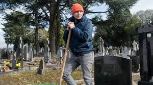 graveyard shift a day with the dead of glasnevin cemetery