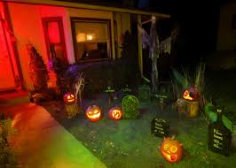 halloween yard lighting front garden halloween decor