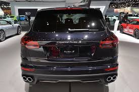 Black Porsche Cayenne - 2015 porsche cayenne turbo s presented in detroit with 570 hp