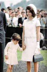 jacqueline kennedy jacqueline kennedy onassis fashionicon collucci style