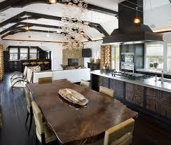 vernis table cuisine table en bois massif brut 28 tables à manger rustiques bois brut