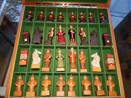 unusual chess sets found at estate sales chess forums chess com