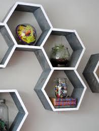 Diy Honeycomb Shelves by Honeycomb Decorative Accent Shelf Decorative Accents Honeycombs