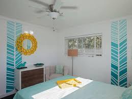 wandgestaltung mit farbe muster ombre effekt und muster an der wand im jugendzimmer zimmer