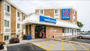 hotels near light rail minneapolis motel 6 minneapolis airport mall of america hotel in richfield mn