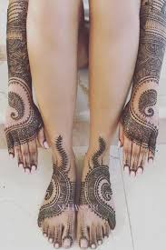 this video shows 7 hours of henna tattoos in 95 seconds and it u0027s