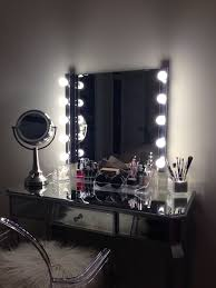 Vanity Set With Lighted Mirror Best 25 Vanity With Lighted Mirror Ideas On Pinterest Makeup