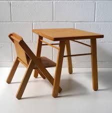 table bureau enfant bureau enfant design la marelle mobilier vintage pour enfant