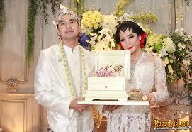wedding dress nagita slavina ini dia daftar pemenang yahoo awards 2014 kapanlagi