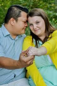 plus size engagement rings engagement pictures photos session plus size park bench ideas