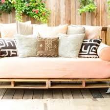 canap fait avec des palettes salon de jardin en palette le guide diy ultime delorm