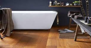sol stratifié pour cuisine 8 sols déco pour une salle de bain grise deco cool
