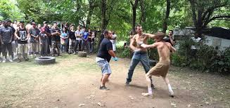 watch backyard scrap ends with seizure inducing knockout