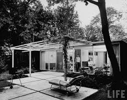 house designed by paul hayden kirk which features irregular patio