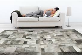 accessoire canapé sols et tapis tapis puzzle blanc gris salon canapé blanc le pied