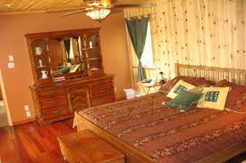 chambre pin chalet pin noueux knotty pine lodge cottages apartments tourist