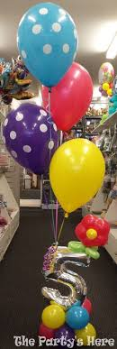 balloon delivery naples fl clear balloon filled with dried flower petals this balloon