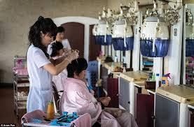 old fashinoned hairdressers and there salon potos 30 top secret photos from north korea page 13 of 30 dailyjust com