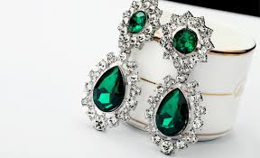 emerald green earrings luxurious emerald green rhinestone statement dangle
