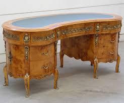 le de bureau loupe bureau en loupe d orme style napoléon audrieu meuble de style