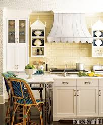 light yellow kitchen with white cabinets 10 yellow kitchens decor ideas kitchens with yellow walls