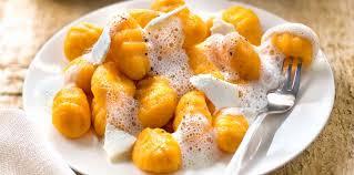 cuisiner les gnocchis gnocchis sauce émulsionnée au parmesan recette sur cuisine actuelle