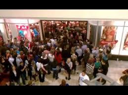 target black friday lines victoria u0027s secret black friday opening mayhem 2012 youtube