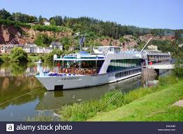 river cruise mosel valley germany europe vineyards wineries de