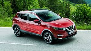 nissan qashqai interior 2017 nissan qashqai facelift goes on sale in the uk still unavailable