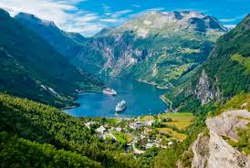 Beautiful Places On Earth by 10 Photos That Prove Norway Is The Most Beautiful Place On Earth