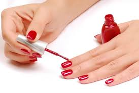 the main causes of chipping and peeling nail enamel