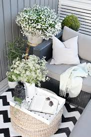 Outdoor Balcony Rugs Summer Balcony Ideas To Make Every Evening Count Outdoortheme Com