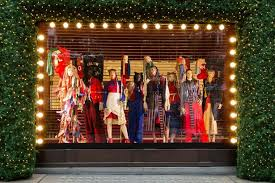Christmas Window Decorations Ireland by Selfridges Waste No Time In Unveiling Their Christmas Display In