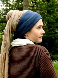 vermeer girl with pearl earring painting photo replica girl with a pearl earring who in the world is