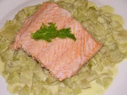 cuisiner un filet de saumon recette filet de saumon à la vapeur de fenouil 750g