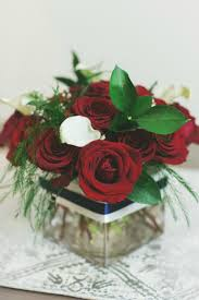 How To Make Floral Arrangements Floral Design 101 How To Make Your Own Cube Centerpiece