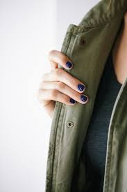 i have two kids fall trend navy nails