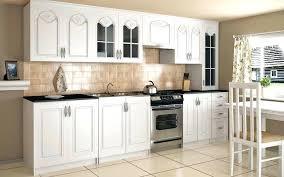 modele de cuisine avec ilot modele de cuisine equipee modacle 670 modele de cuisine equipee