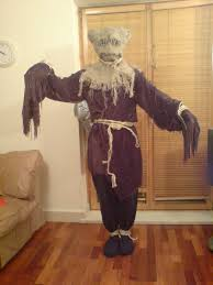 scarecrow halloween costume how to make a doctor who scarecrow 11 steps
