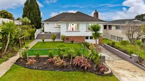 beautiful home on 809m2 site 8 monarch avenue hillcrest