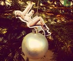cyrus wrecking ornament