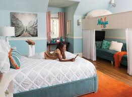 inside film producer will packer s glam but relaxed abode maya s room offers cozy spots to chill or have a friend spend the night